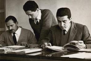 Rachelino Maffioletti in ufficio con i colleghi.