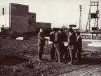 Angelo Nittoli con il Presidente Magrì e i colleghi al lavoro nel nuovo impianto in costruzione.