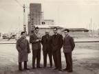 Angelo Nittoli con i colleghi nel cantiere del nuovo stabilimento.