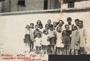Foto di gruppo di bambini del comune di Fontanella.