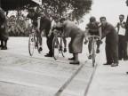 Gara ciclistica al velodromo aziendale.