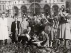 Gitanti del Cral aziendale in piazza San Marco.