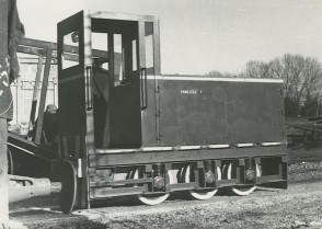 Locomotore costruito in azienda da Genesio Maggi e i suoi colleghi.