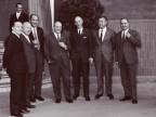 Francesco Fugazza in una foto di gruppo con alcuni colleghi.