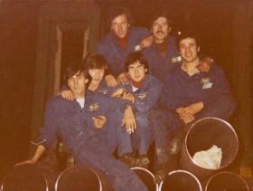 Flavio Gallarini e gli altri colleghi del reparto aggiustaggio.