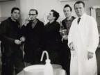 Guido Castelli con i colleghi della sezione meccanografica del laboratorio centrale.