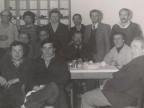 Foto di gruppo di Guido Castelli con i colleghi durante una cena.