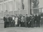 Foto di gruppo di Antonietta Faiella con i corsisti della scuola tecnica aziendale.