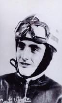 Uberto Corti ritratto in tenuta motociclistica.