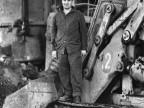 Lavoratore alla fossa di colaggio. 1968