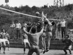 Partita di pallavolo tra gli allievi della scuola siderurgica. Anni '70
