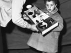 Regali della Befana ai figli dei dipendenti. 1968