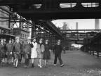 Studentesse in visita allo stabilimento. 1964