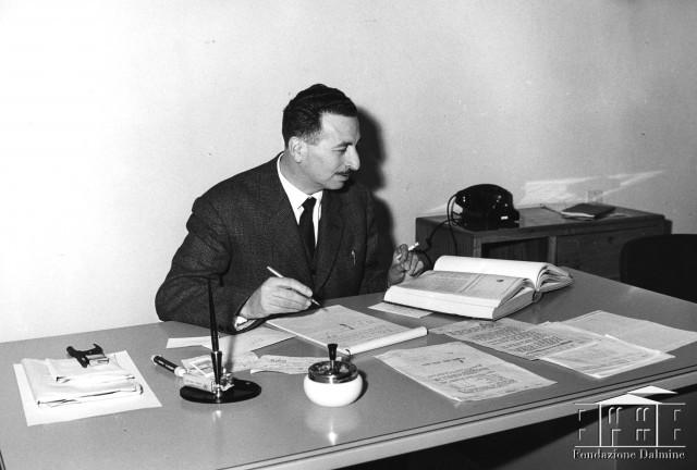 in ufficio anni 60 faccia a faccia fondazione dalmine