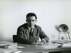 In ufficio. Anni '60