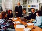 Personale Exiros in ufficio.